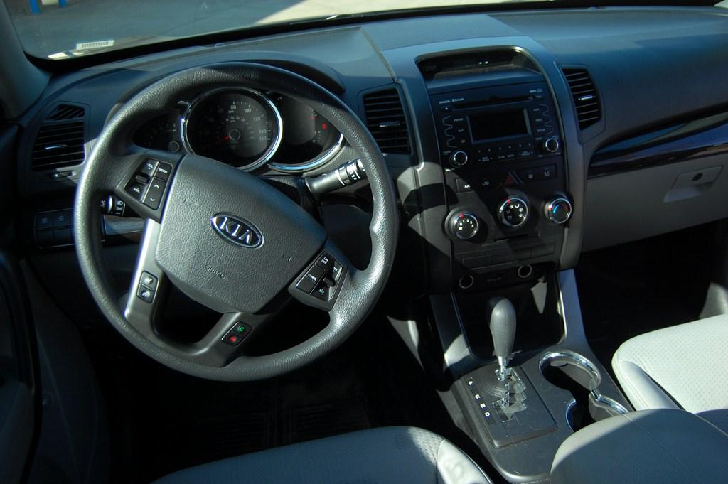 2011 kia sorento lx v6 interior motoring rumpus. Black Bedroom Furniture Sets. Home Design Ideas