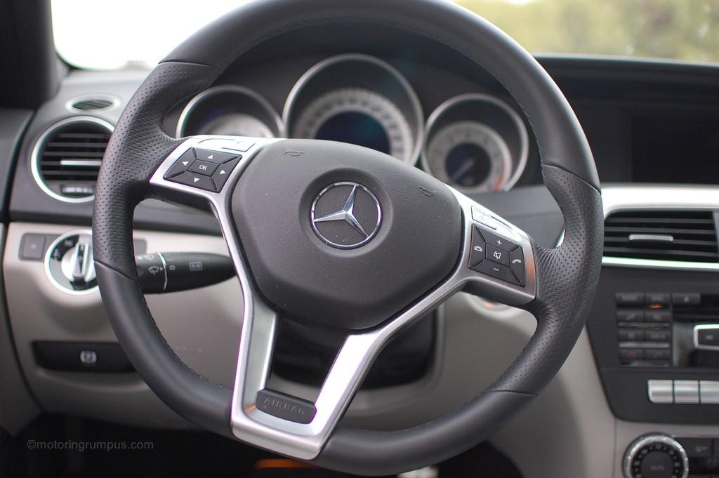 2012 Mercedes Benz C250 3 Spoke Multifunction Steering