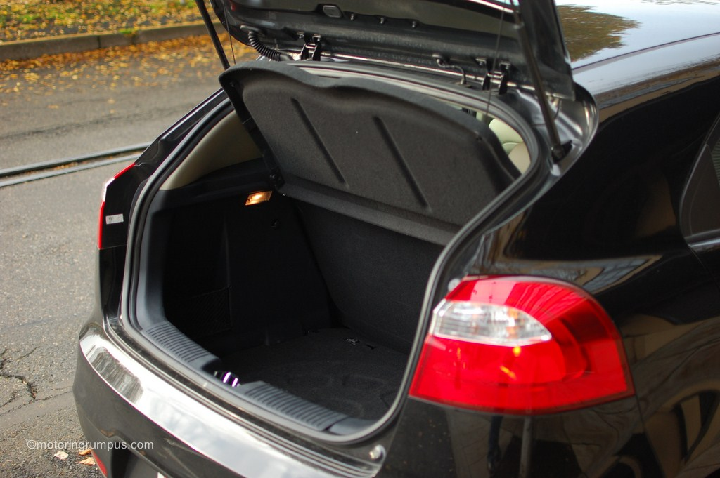 2013 Kia Rio Trunk Space Motoring Rumpus