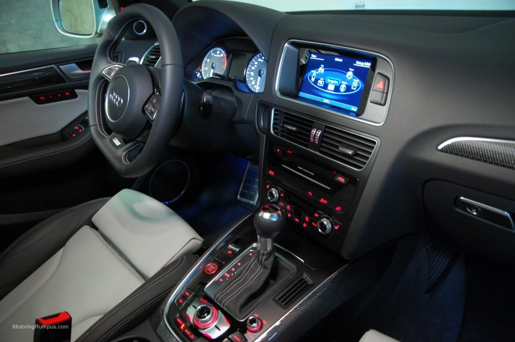 2014 Audi SQ5 Interior Lunar Silver