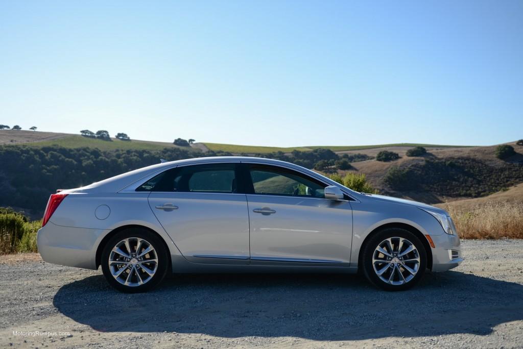 2014 Cadillac XTS Side