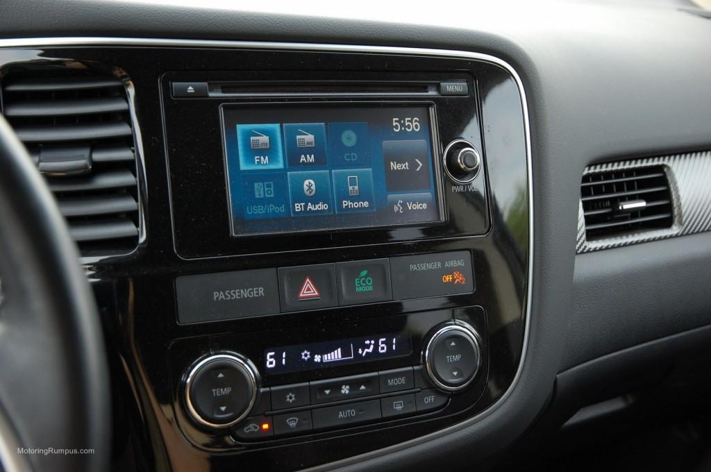 2014 Mitsubishi Outlander 6.1-inch Touchscreen