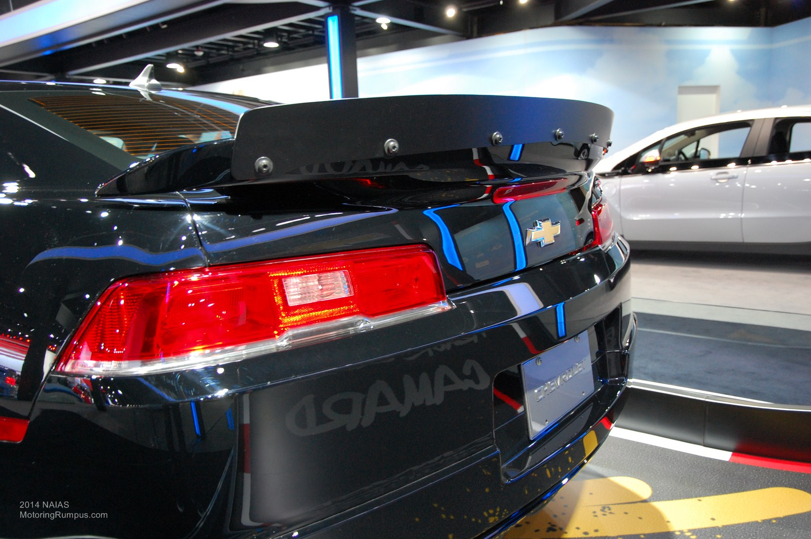 2014 naias chevy camaro z28 rear spoiler motoring rumpus. Black Bedroom Furniture Sets. Home Design Ideas