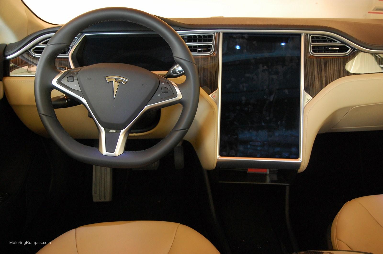 2013 tesla model s steering wheel   motoring rumpus