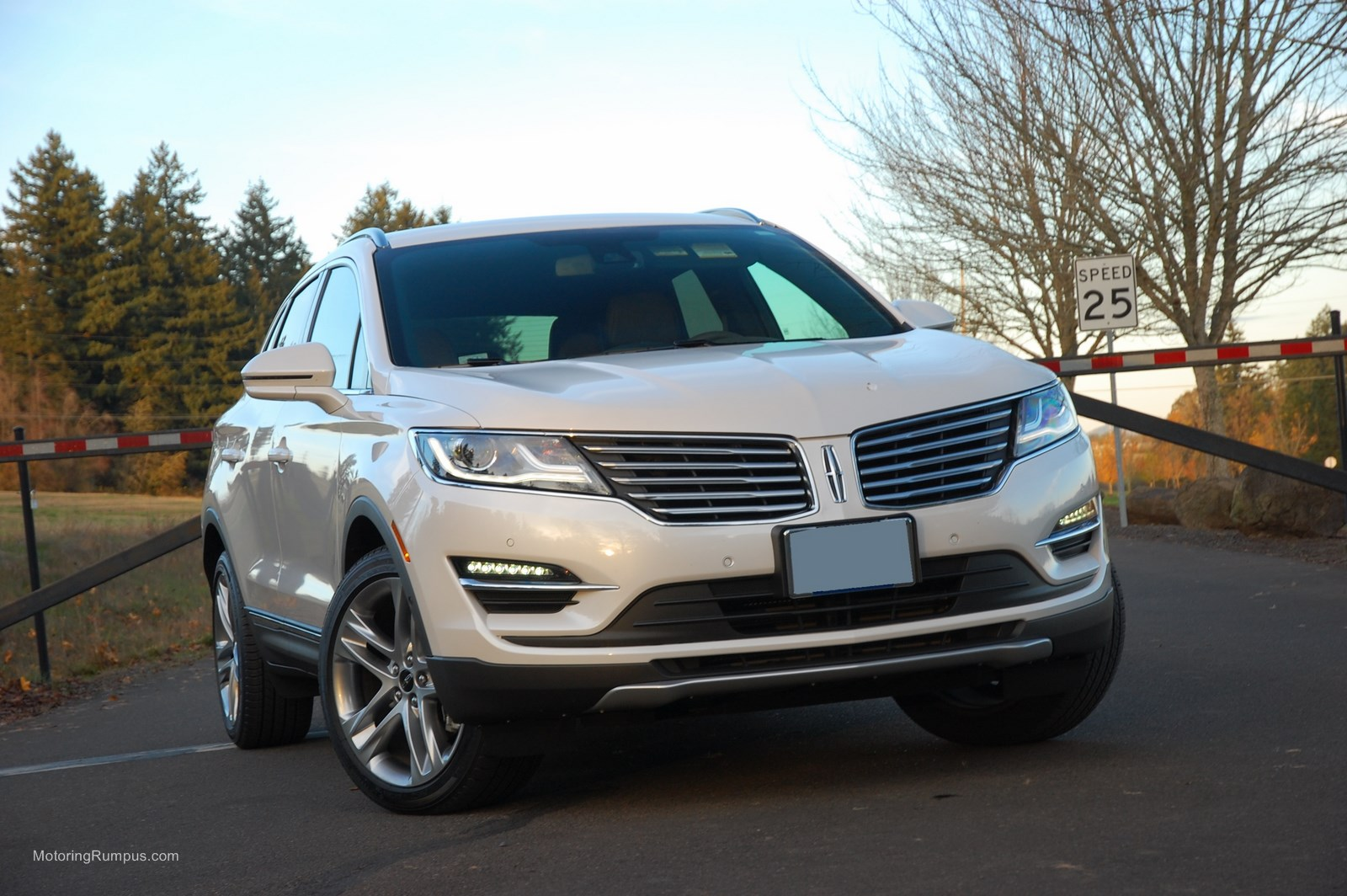 details reviews official cars lincoln mkc trends more photos specs and digital