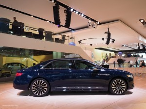 2016 NAIAS 2017 Lincoln Continental Black Label Blue