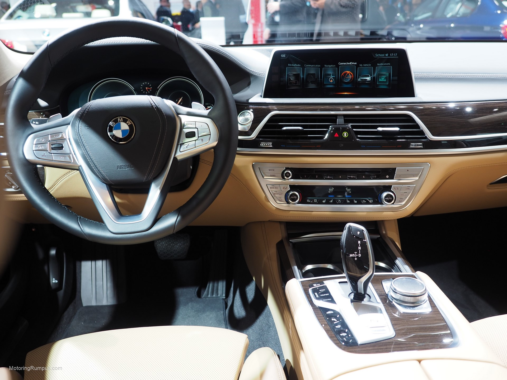 2016 Camaro Interior >> 2016 NAIAS BMW 740e Interior - Motoring Rumpus