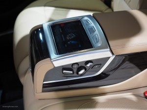 2016 NAIAS BMW 740e Rear Console