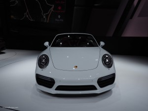 2016 NAIAS Porsche 911 Turbo S Front