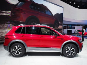 2016 NAIAS VW Tiguan GTE Active Concept Side