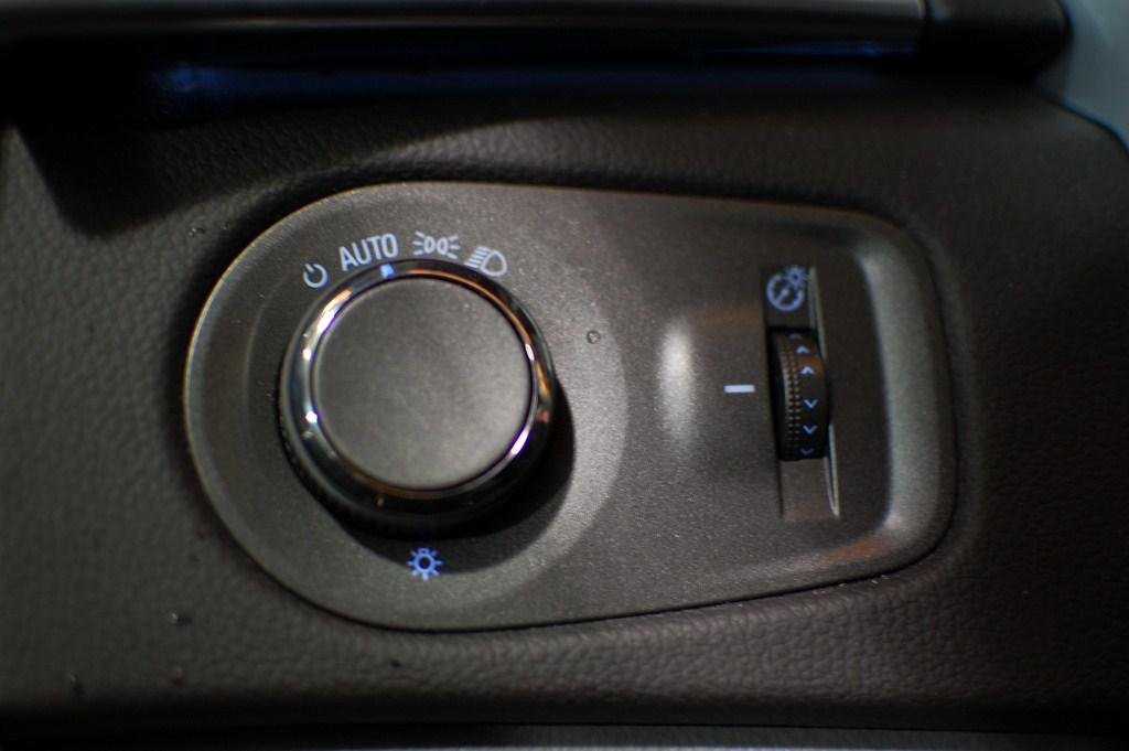 2012 Cadillac SRX Headlight Controls