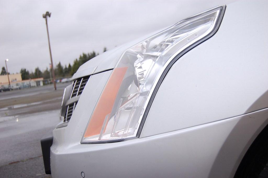 2012 Cadillac SRX Headlight