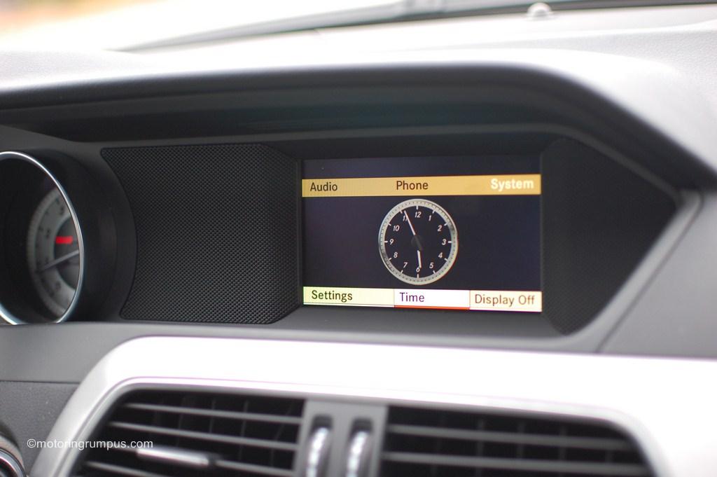 2012 Mercedes-Benz C250 5.8-inch Display