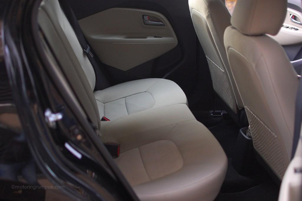 2013 Kia Rio 5-Door Rear Seats