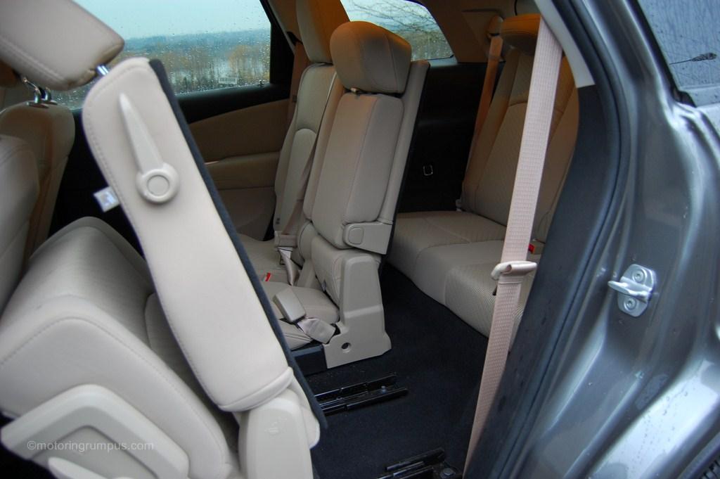 2012 Dodge Journey Tilt 'n Slide Second-Row Seat