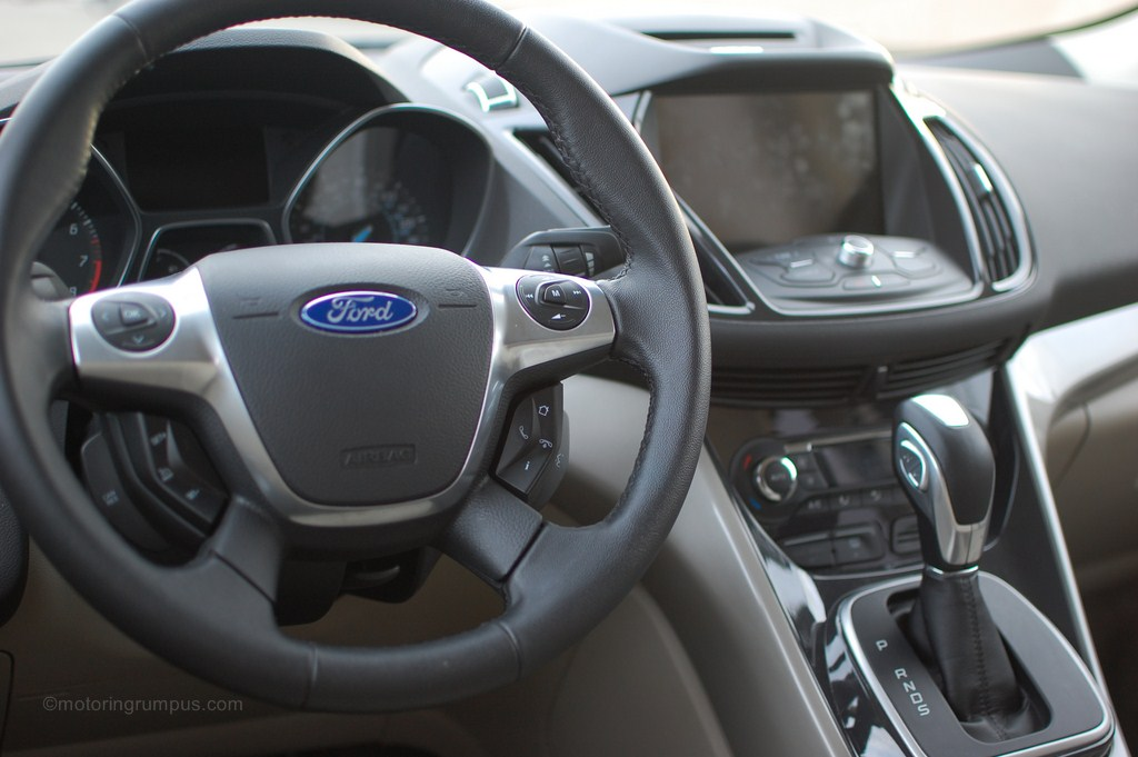 2013 Ford Escape SEL Leather-Wrapped Steering Wheel
