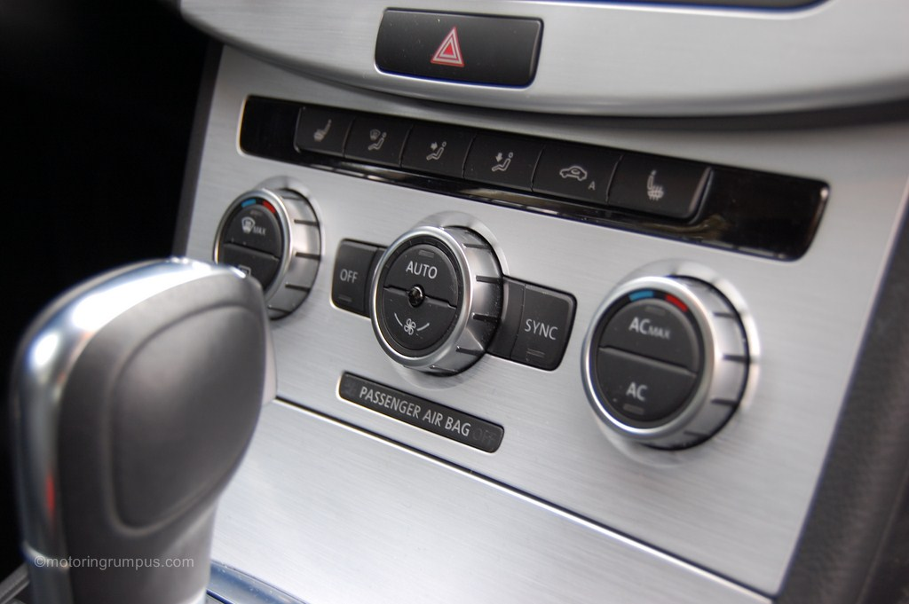 2013 Volkswagen CC Climate Control