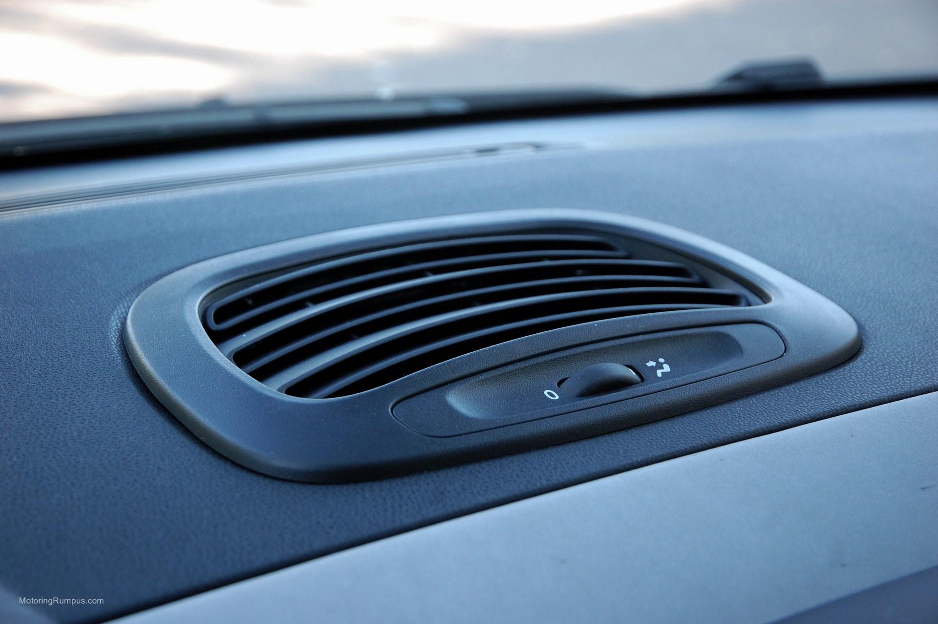 2014 FIAT 500L Dash Vent