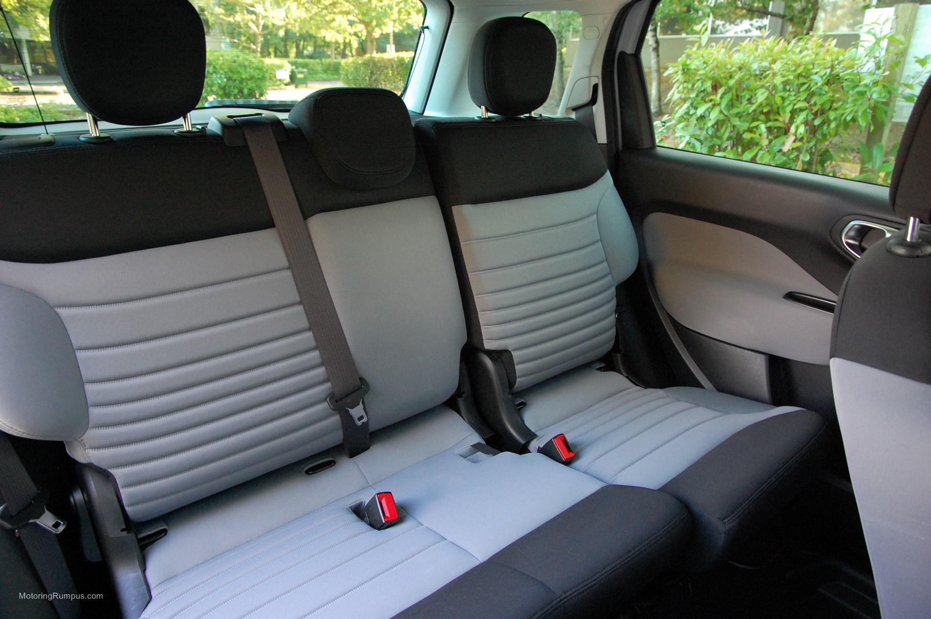 2014 FIAT 500L Rear Seats