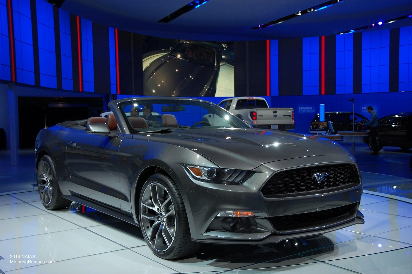 2014 NAIAS Ford 2015 Mustang Convertible