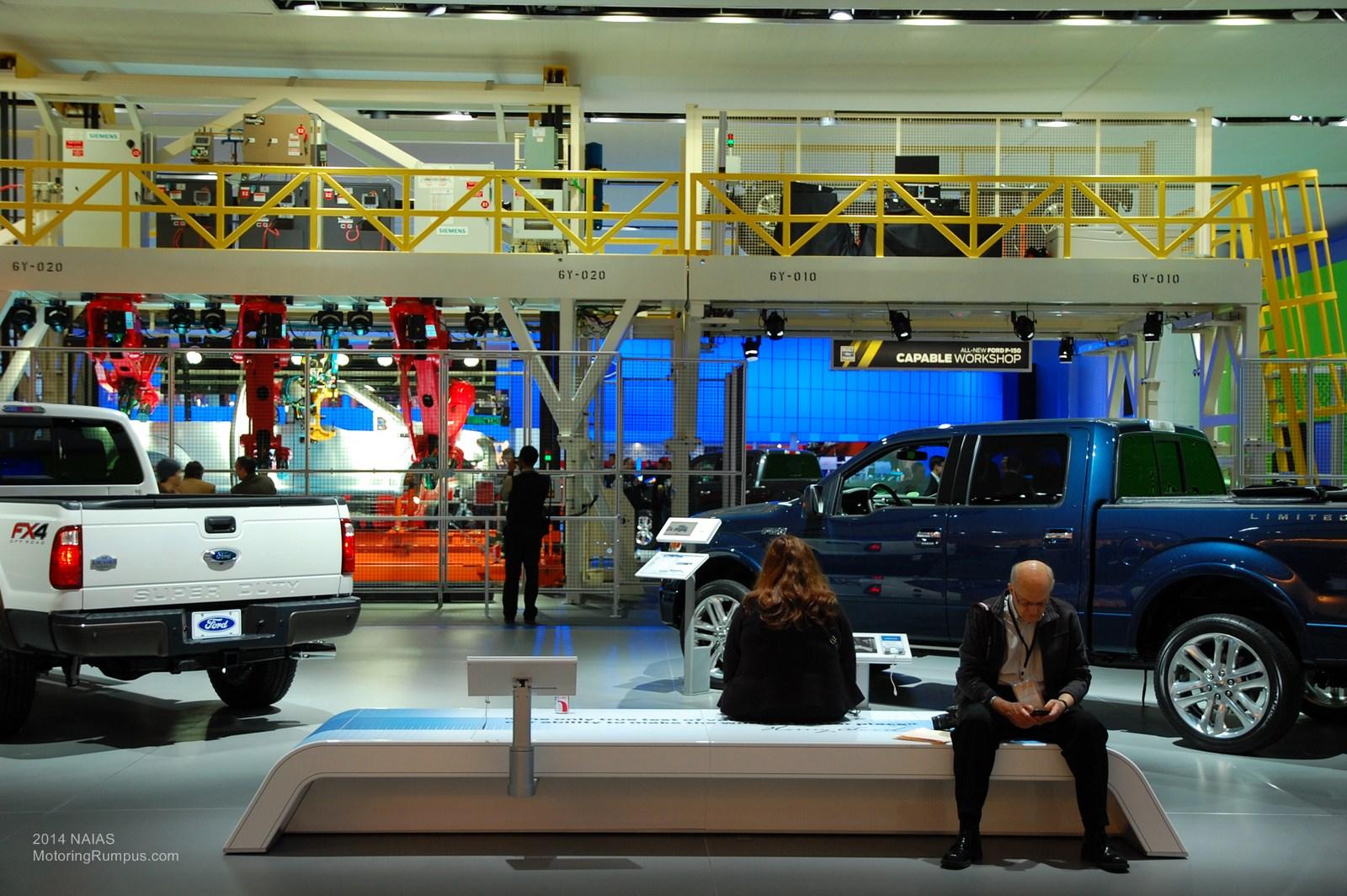 2014 NAIAS Ford Display