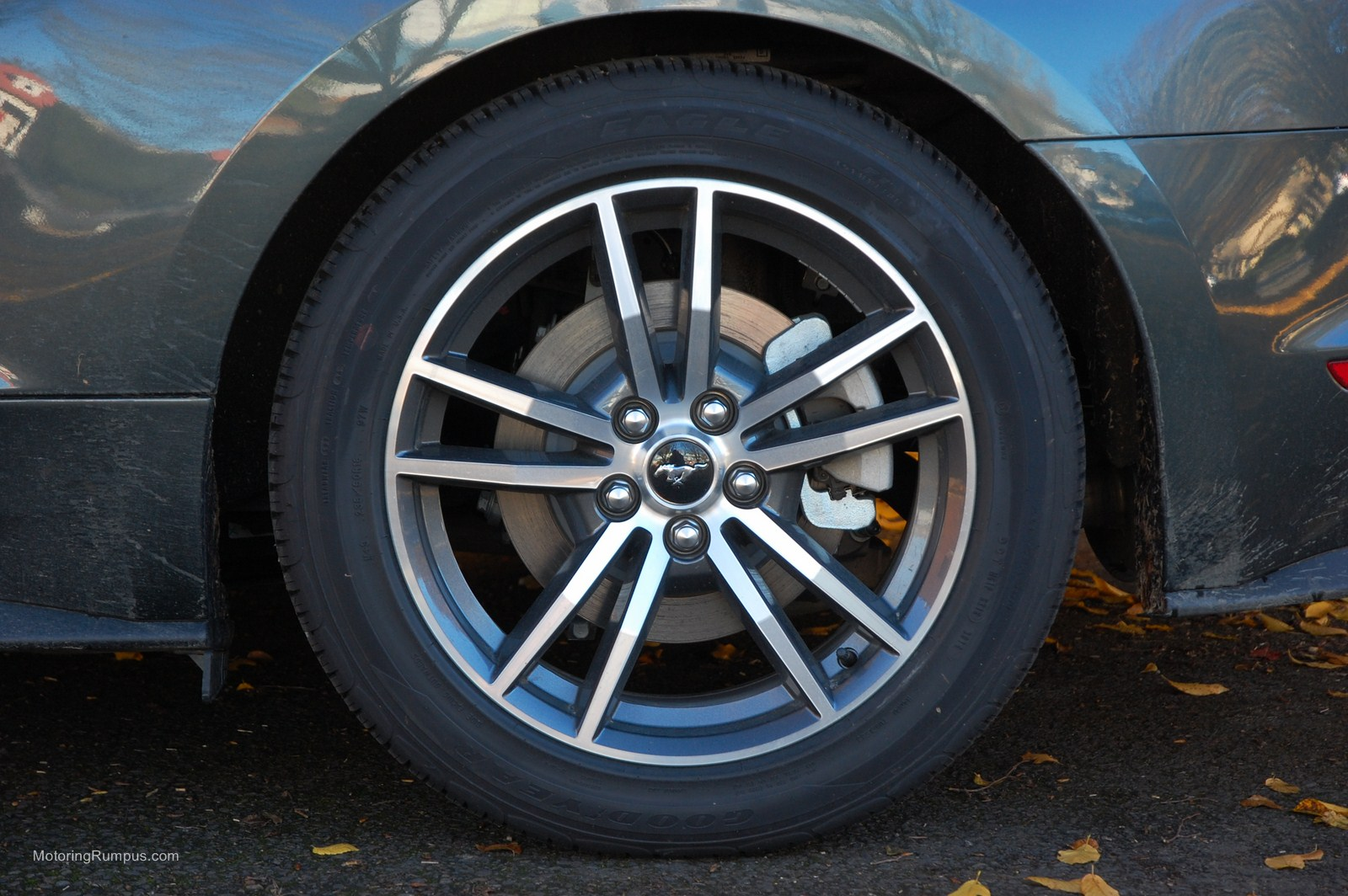 2015 Ford Mustang 18-inch Magnetic Gloss Wheels