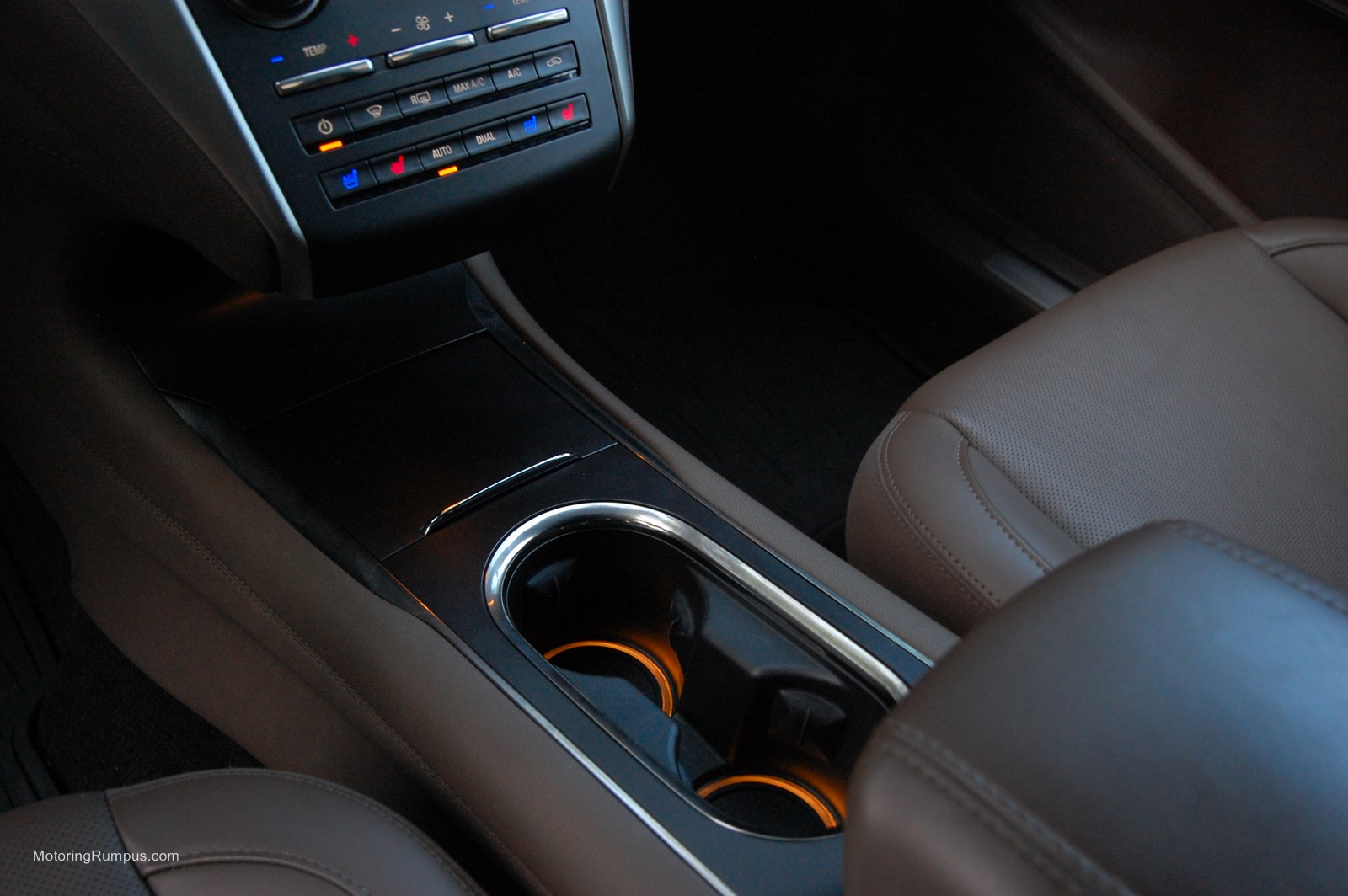 2015 Lincoln MKC Cupholders
