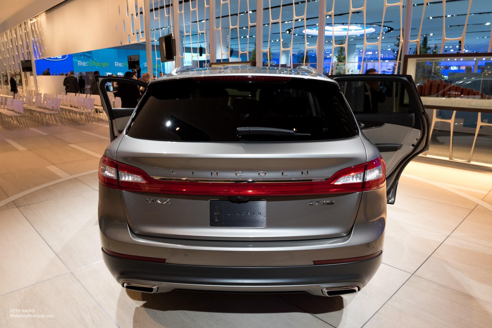 2015 NAIAS - 2016 Lincoln MKX Rear