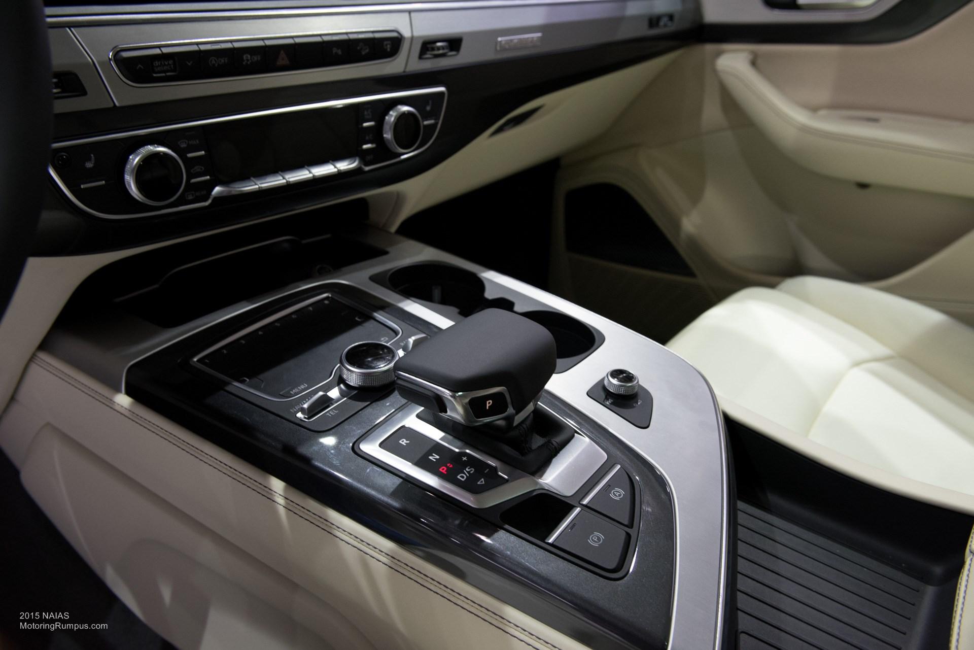 2015 NAIAS Audi Q7 Center Console