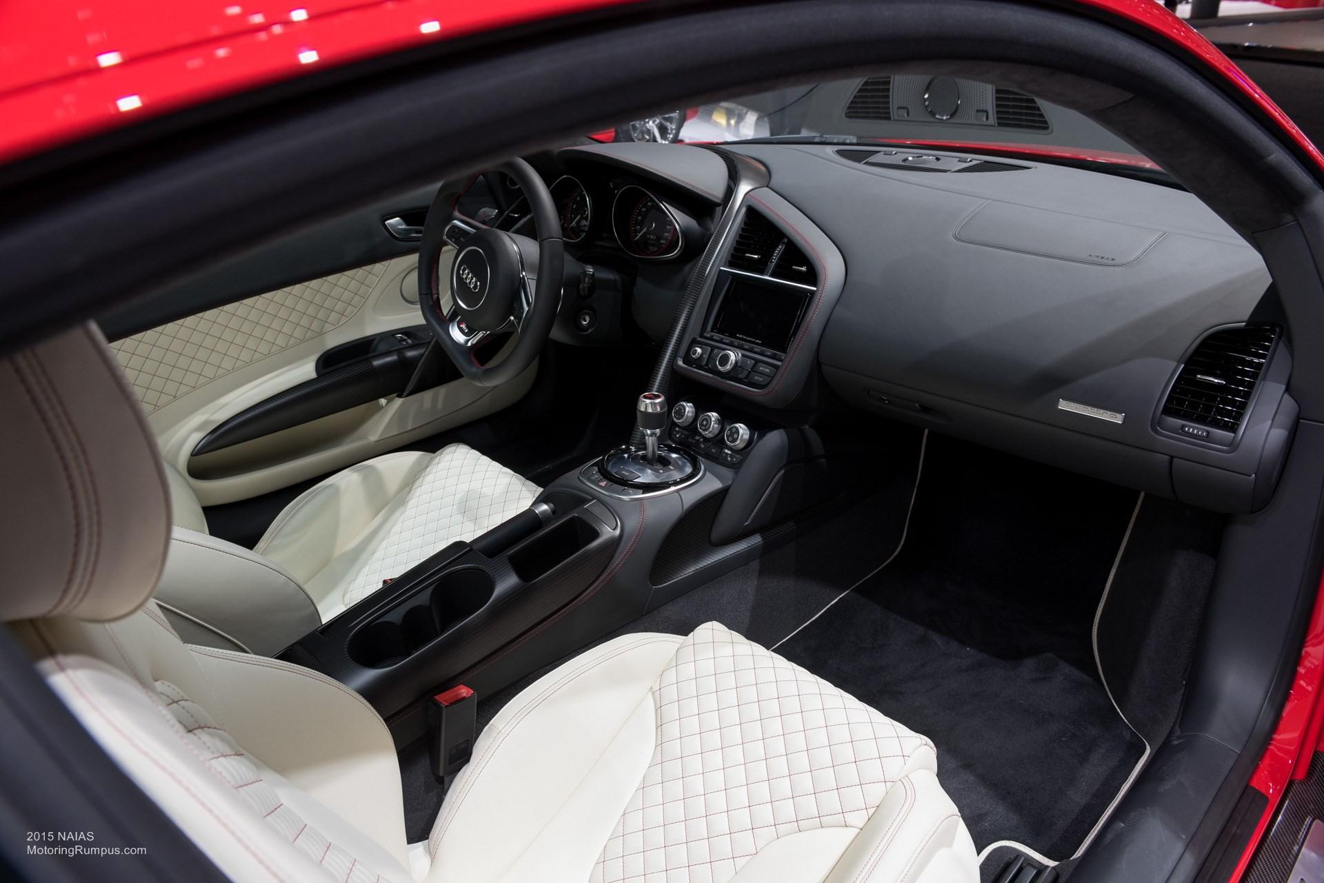 2015 NAIAS Audi R8 Seats