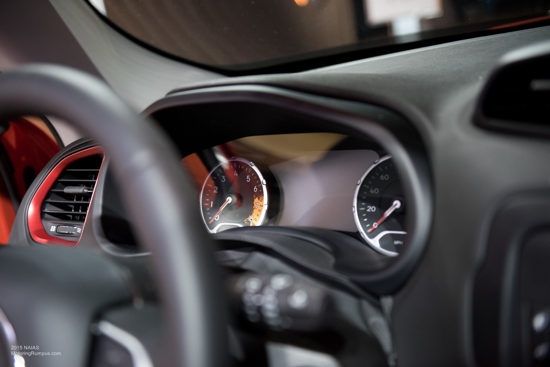 2015 NAIAS Jeep Renegade Trailhawk Instrument Cluster