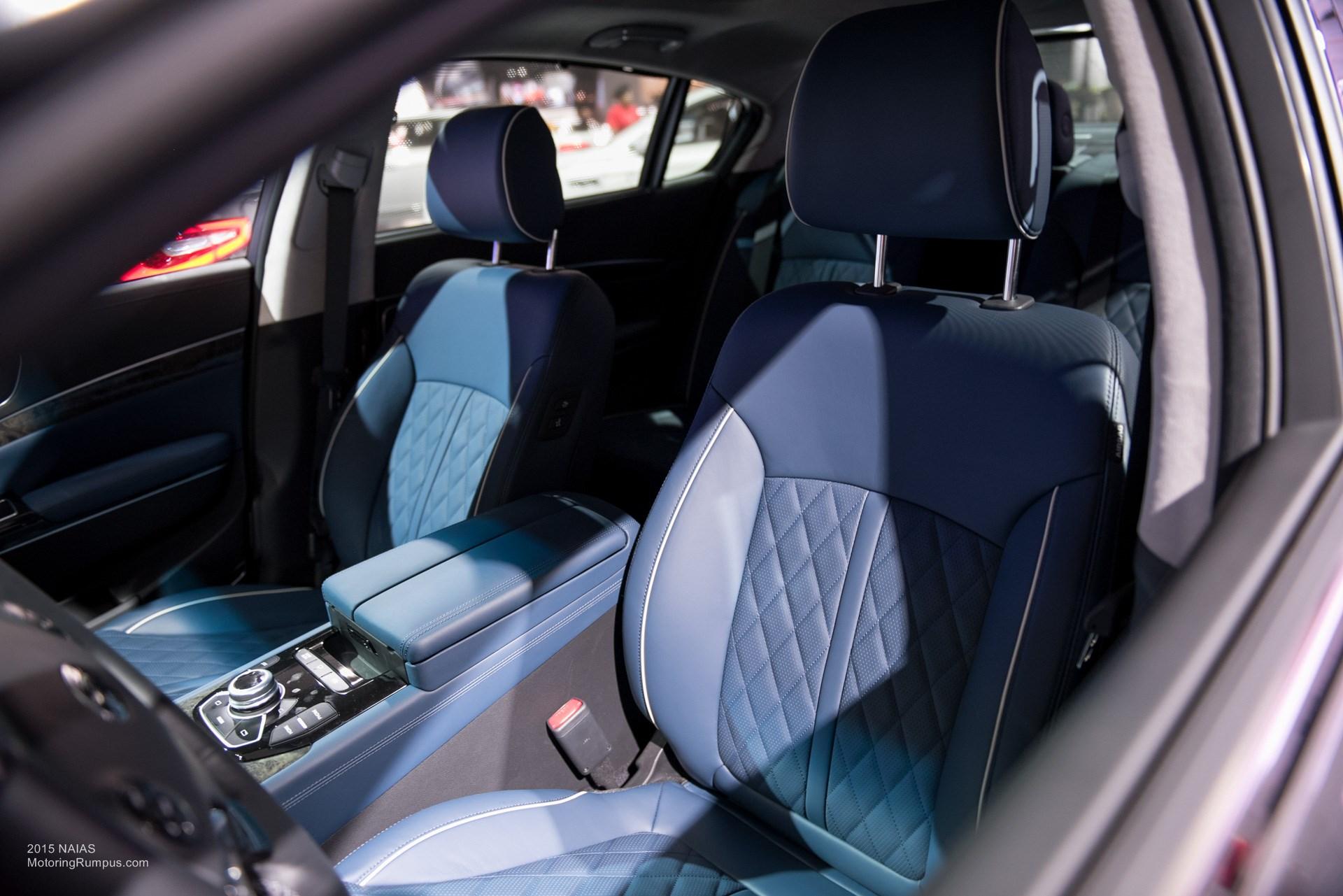 2015 NAIAS Kia K900 Blue Interior