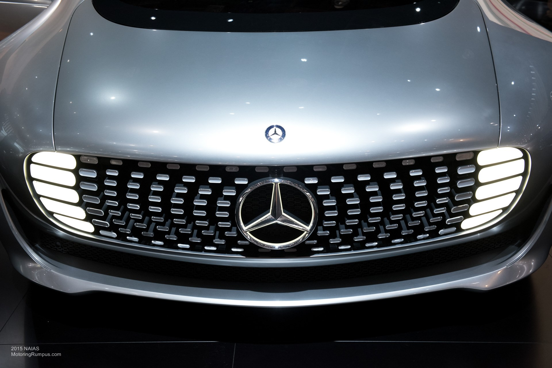 2015 NAIAS Mercedes-Benz F 015 Front