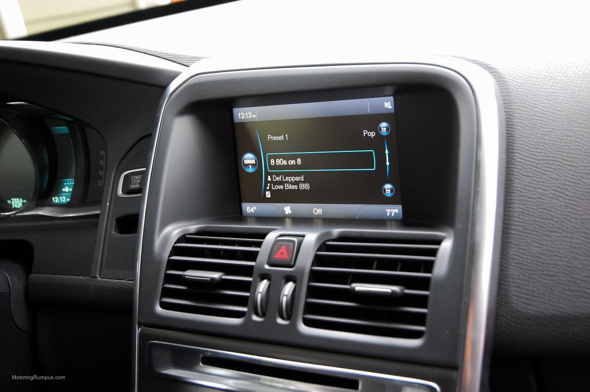 2015 Volvo XC60 7-inch Sensus Screen