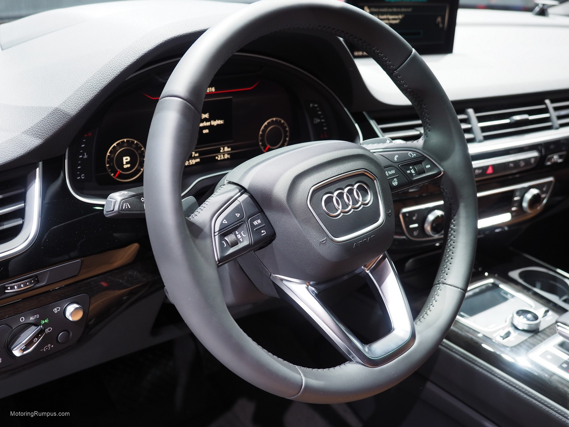 2016 NAIAS Audi Q7 Steering Wheel