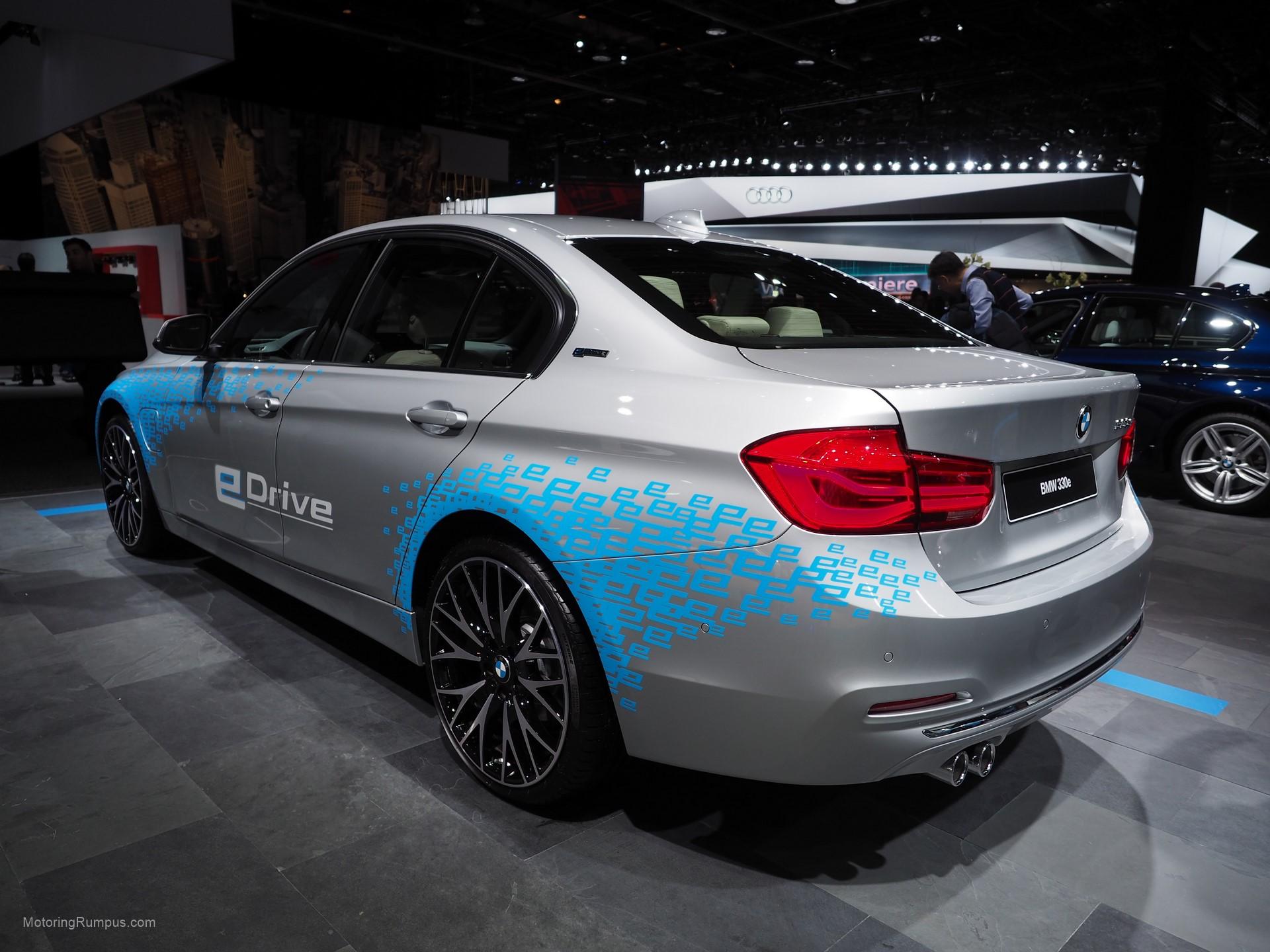 2016 NAIAS BMW 330e Rear