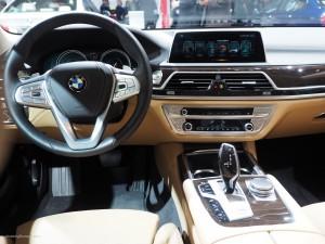 2016 NAIAS BMW 740e Interior