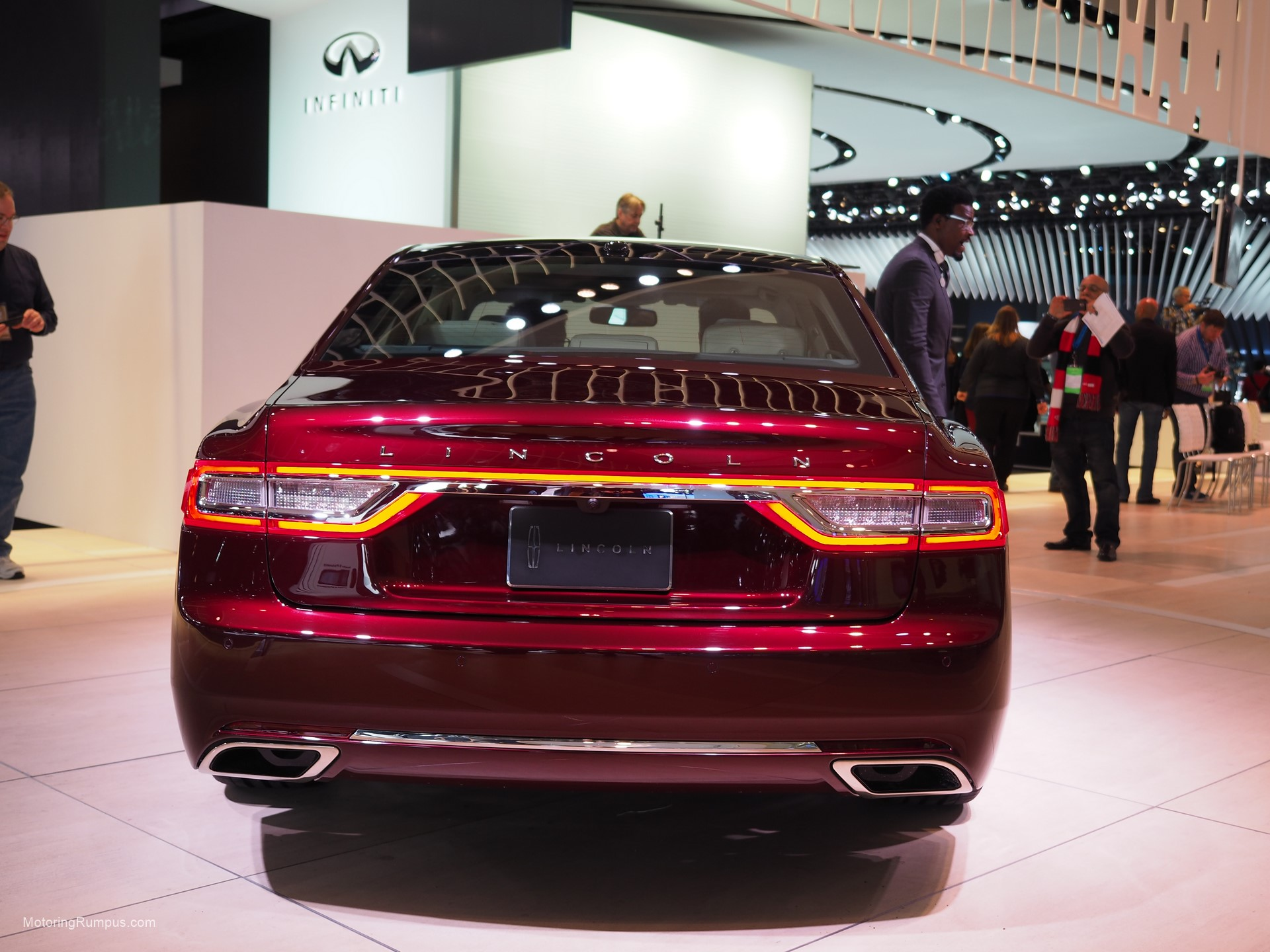 2016 Naias Lincoln Continental Rear Motoring Rumpus